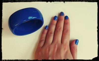 Nailart - bleu - nailsinc - cirque 04